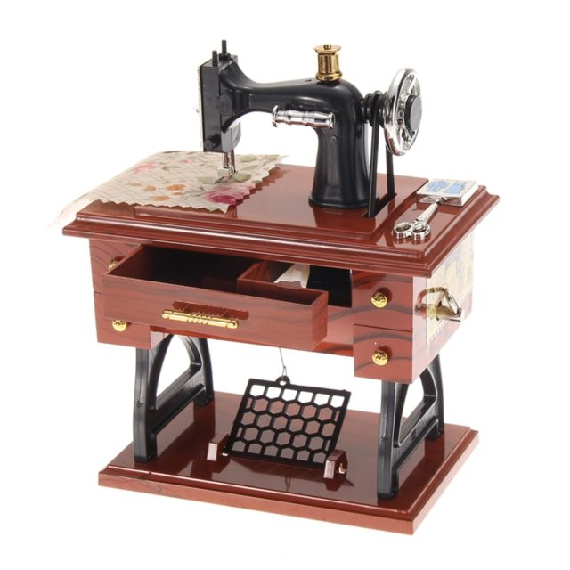 Sewing Machine Music Box Vintage Wooden Metal Mechanical Jewelry Boxes Birthday Gift Table Home Decoration Accessories